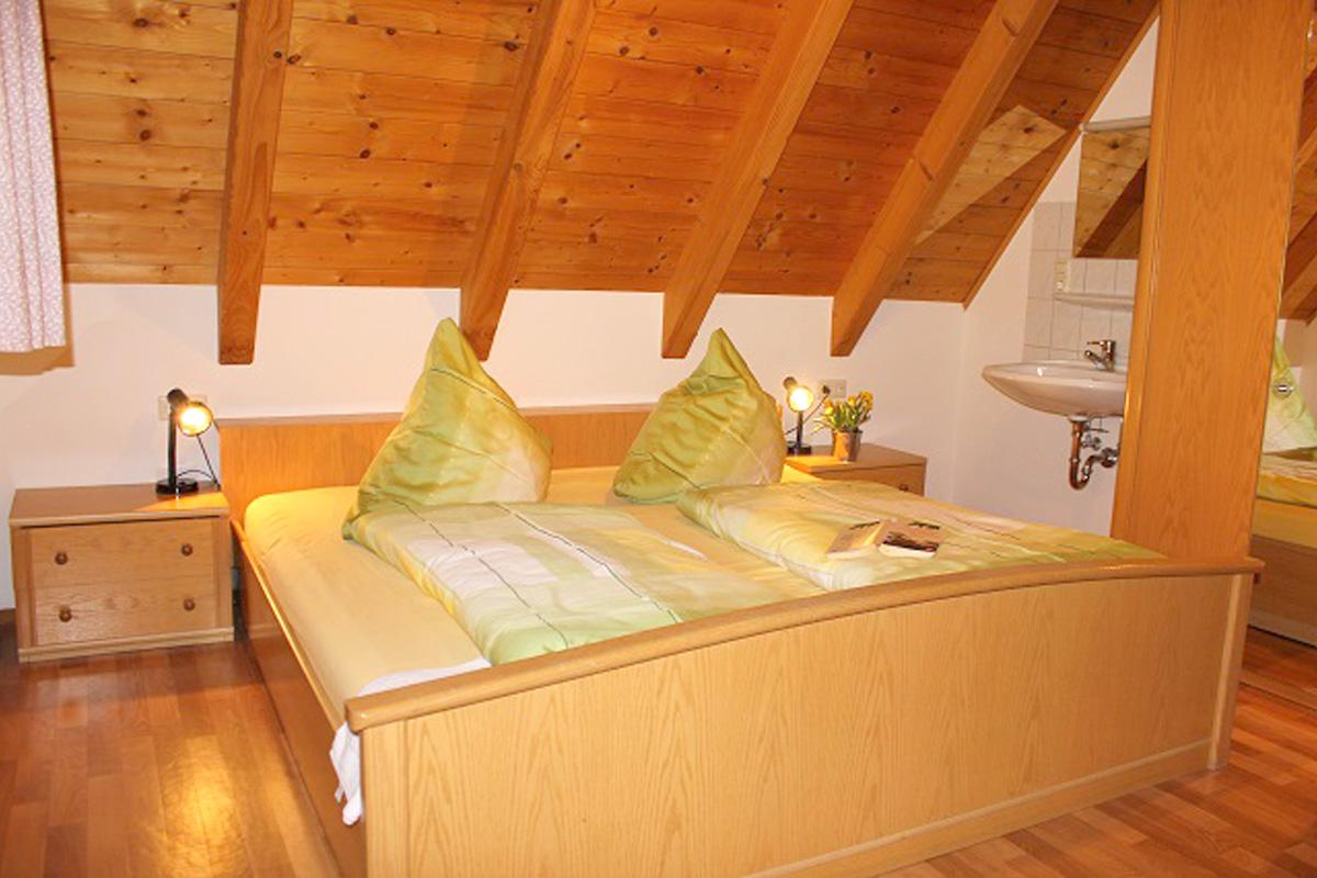 Ramsteinerhof_Lindenbluete_Schlafzimmer1